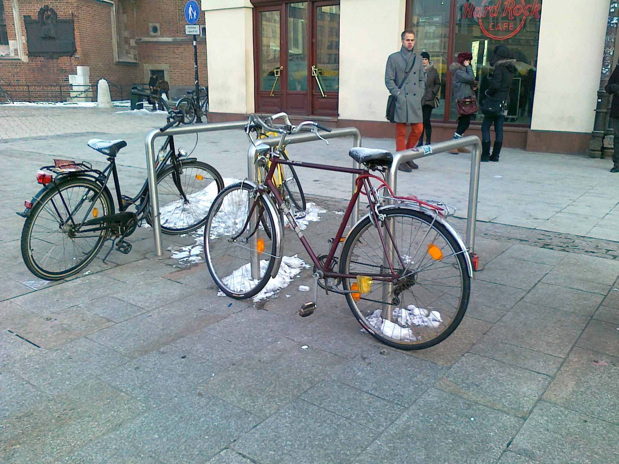 Parkowanie roweru: trzeba z głową