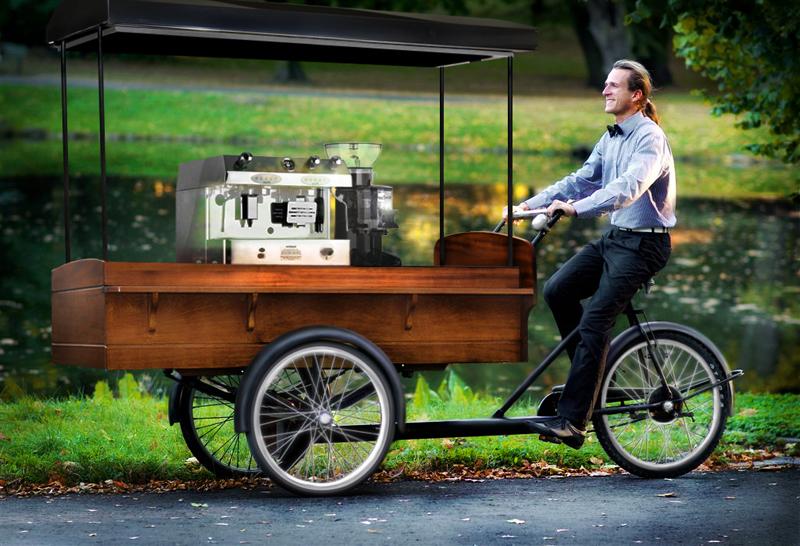W Łodzi ruszyła rowerowa kawiarnia [wideo]