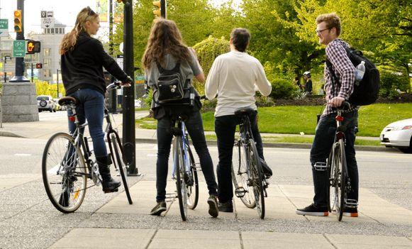 Nie dla rowerzystów na chodnikach!