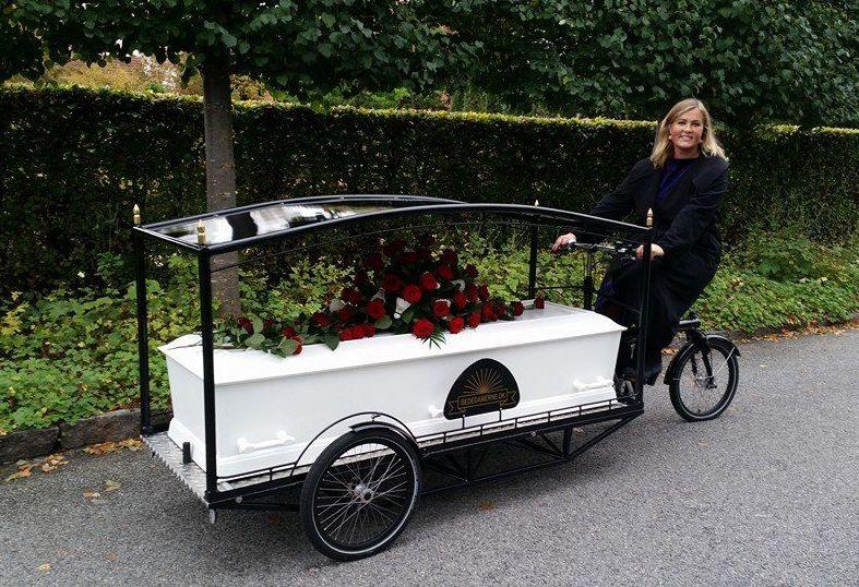 Czego to ludzie nie wymyślą – rowerowy karawan