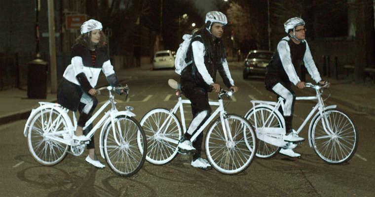 Volvo chciałoby pryskać rowerzystów i pieszych [wideo]